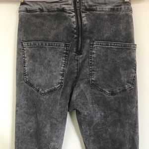 Acid wash stretchy high waisted jean